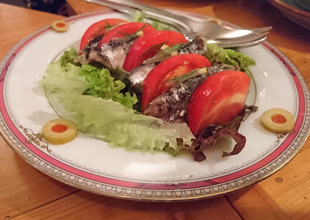 トマトとオイルサーディン カラフルな印象