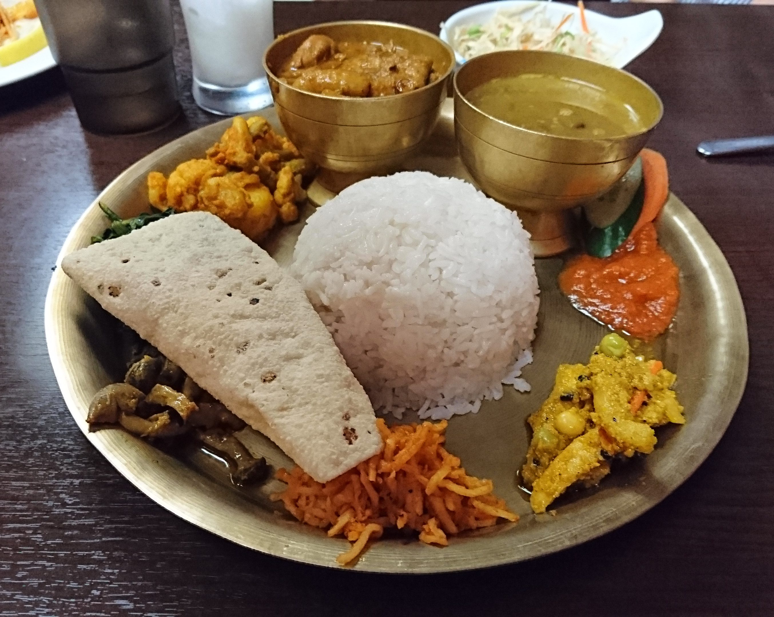 ネパールローカル料理セットの写真