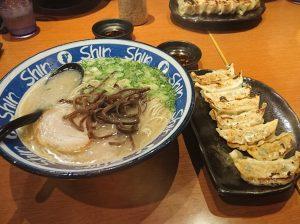 博多ShinShinラーメン 餃子セット