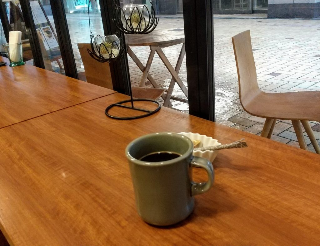 コーヒー斜め右から撮影