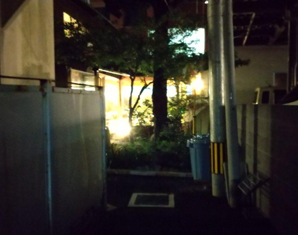 池田屋 小道からの撮影